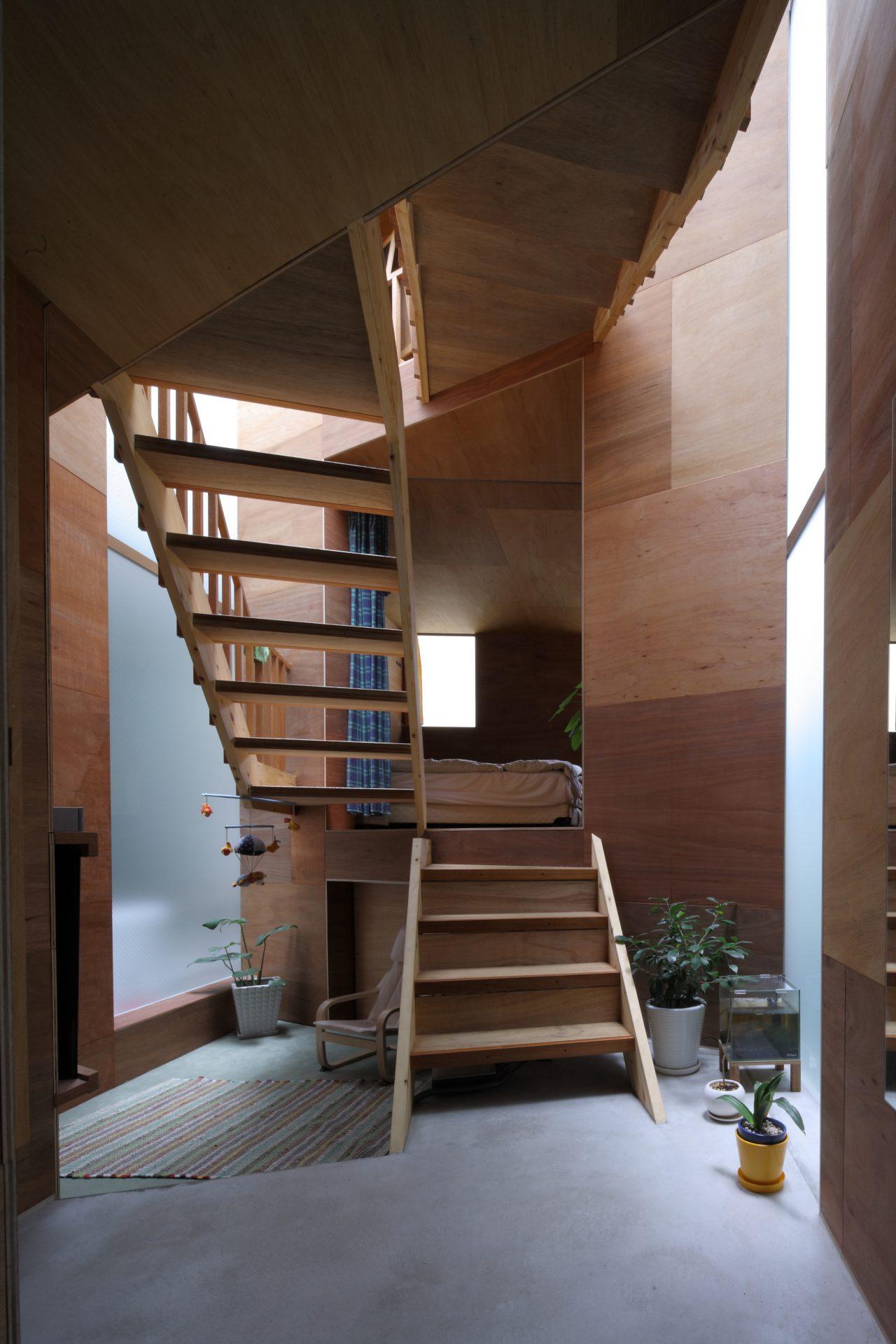兵庫六甲の家の階段01
