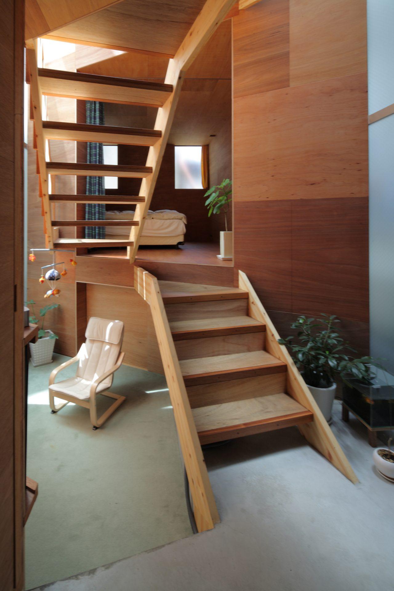 兵庫六甲の家の階段03