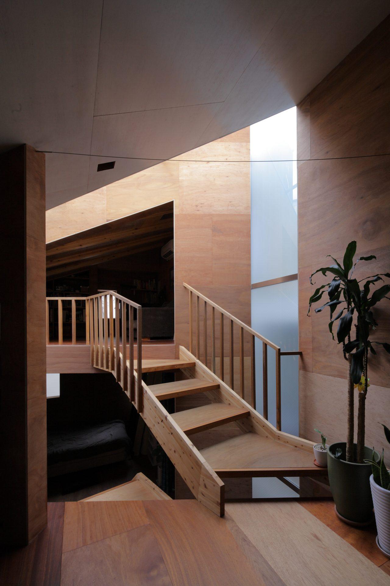 兵庫六甲の家の階段02