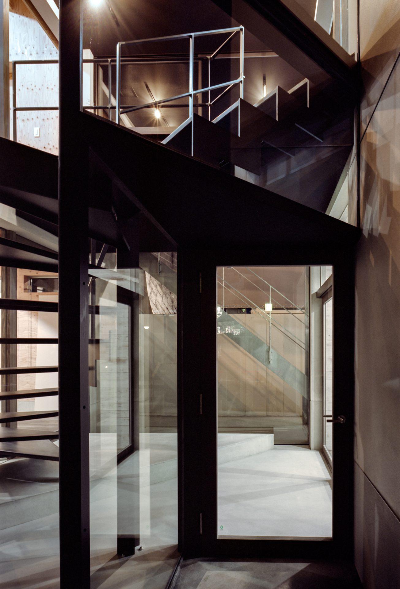 奈良学園前の家のエントランス01