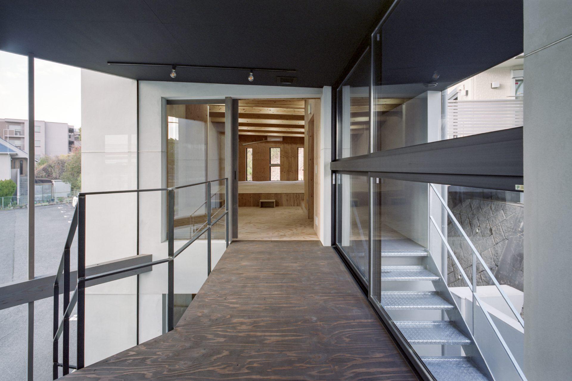 奈良学園前の家の渡り廊下02