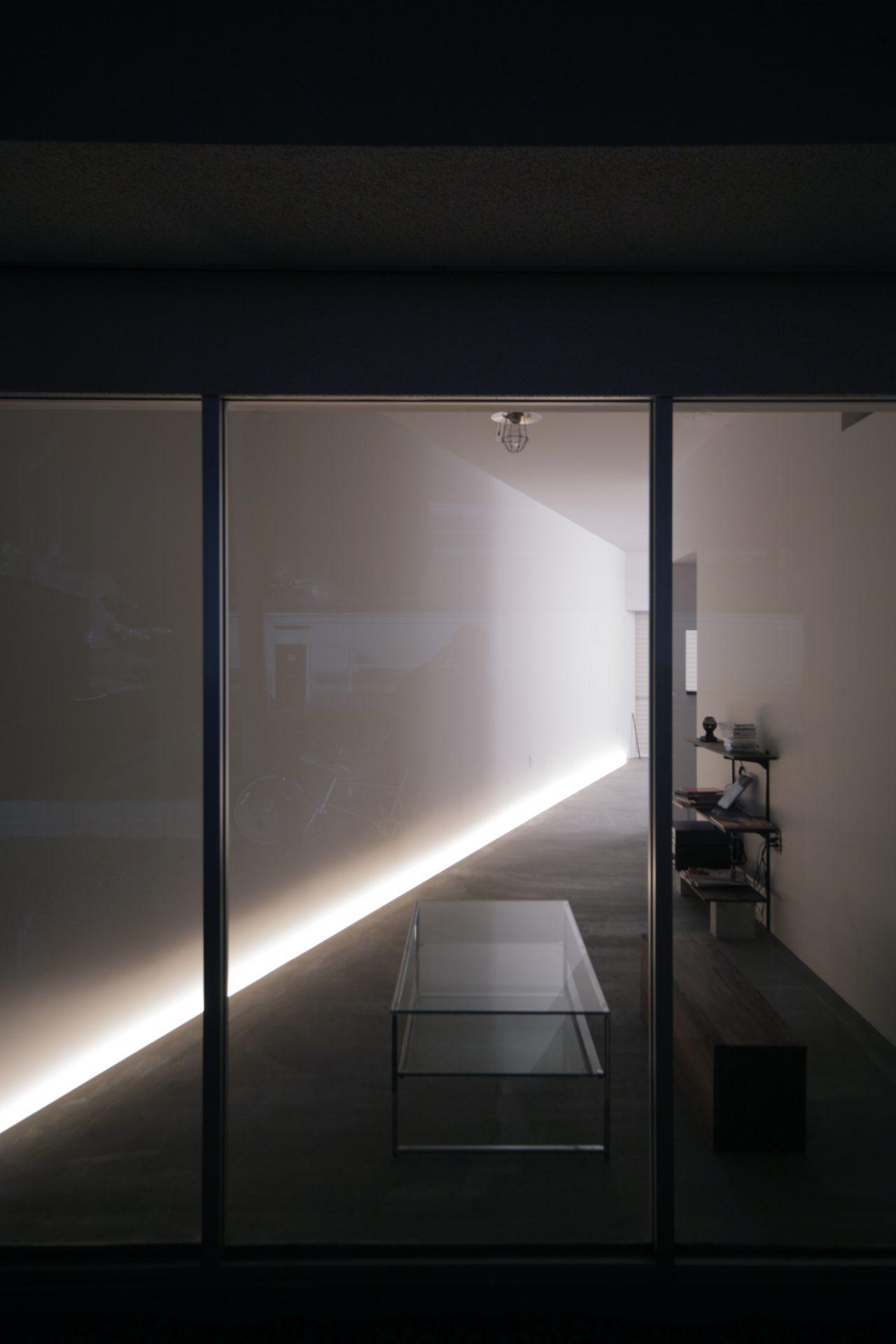 奈良五位堂の店舗兼住宅の玄関