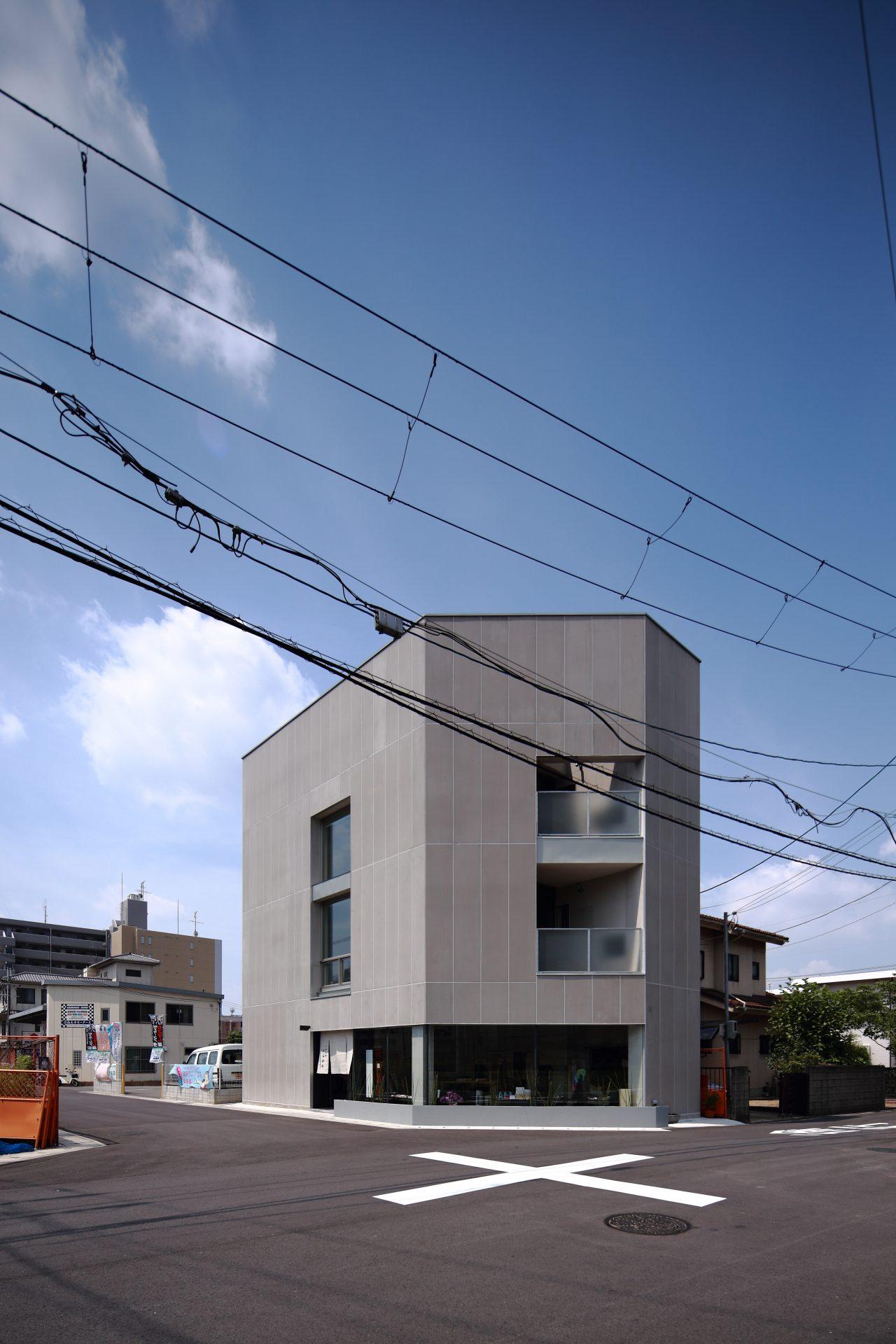 奈良西大寺の店舗+住宅の外観02
