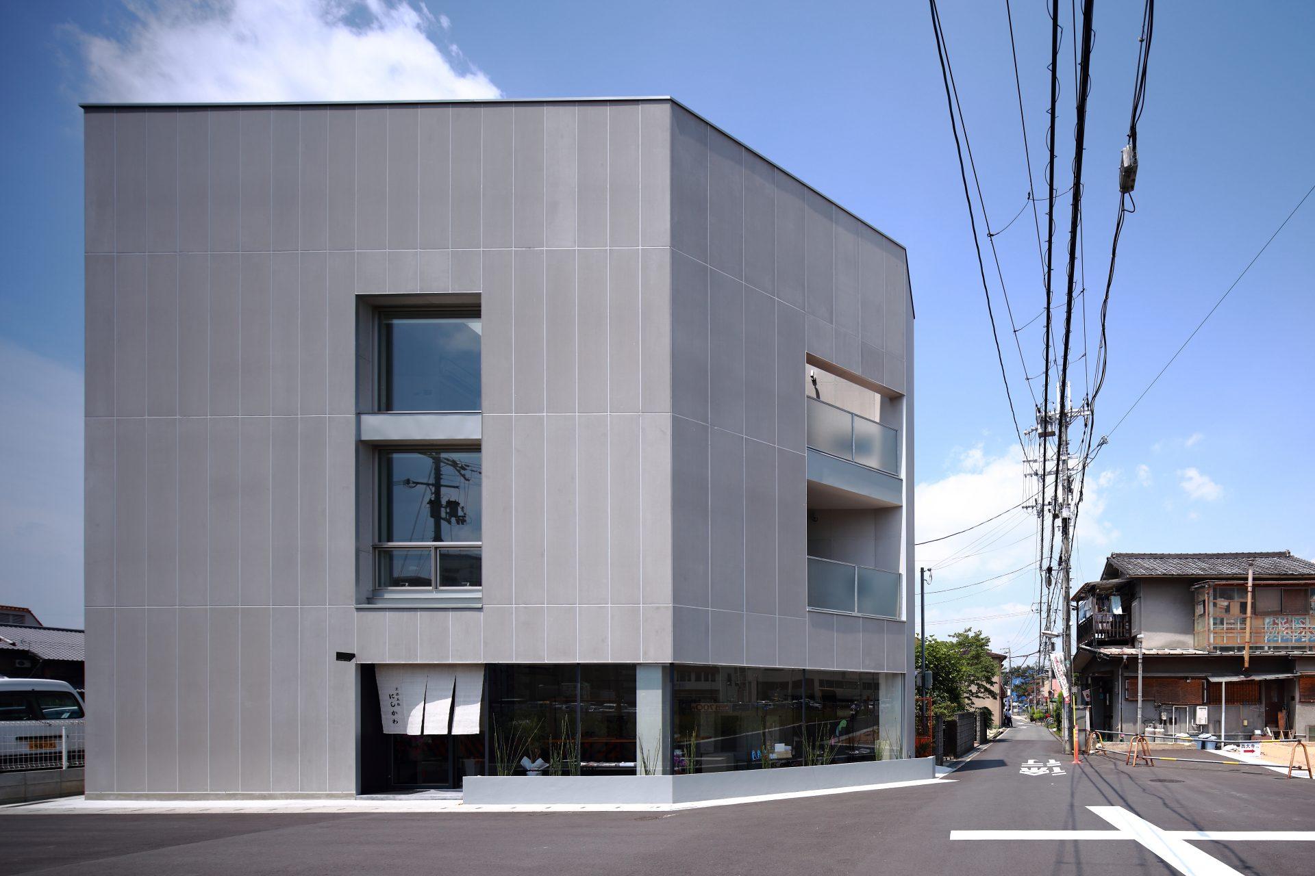 奈良西大寺の店舗+住宅の外観01