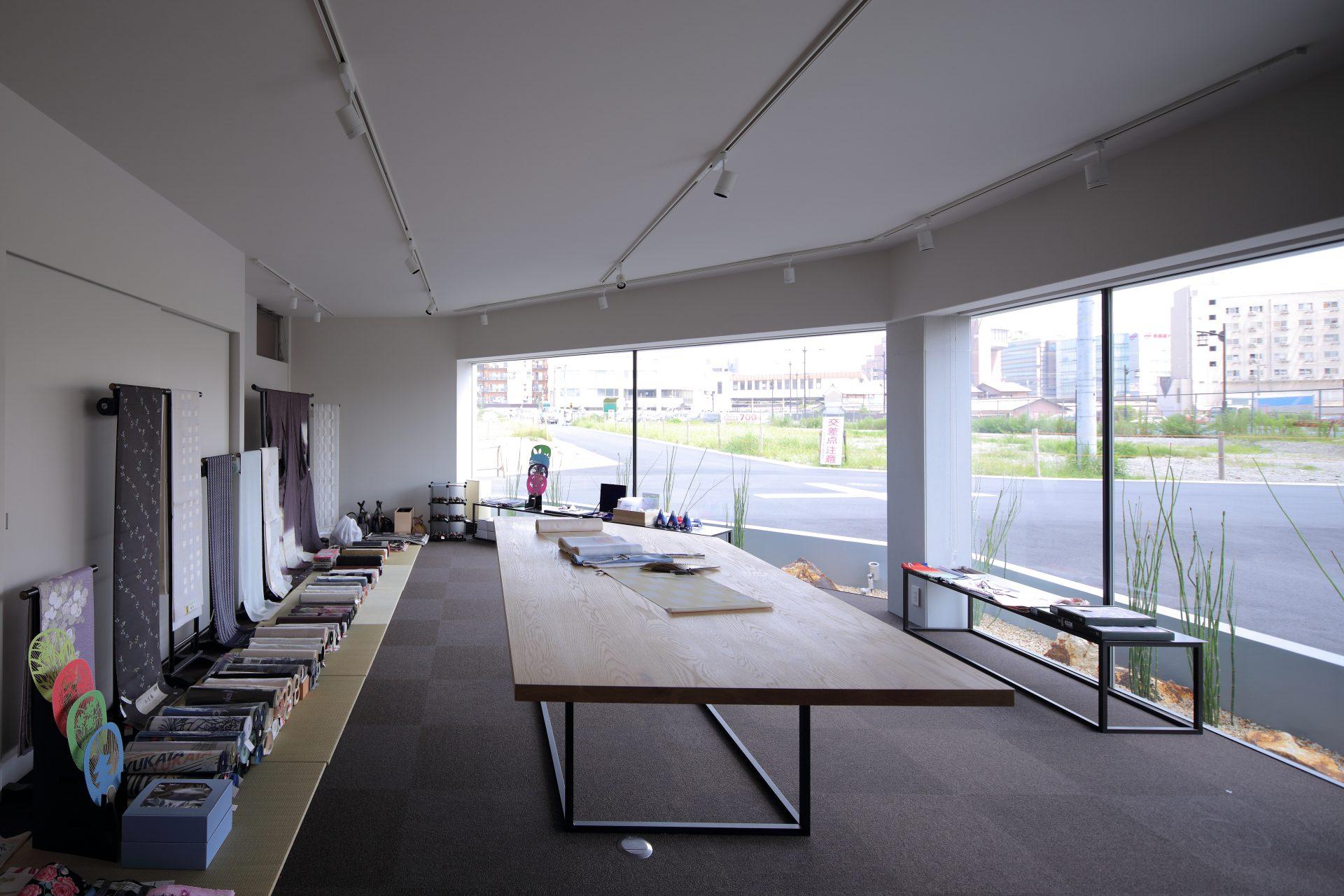 奈良西大寺の店舗+住宅の店舗内装