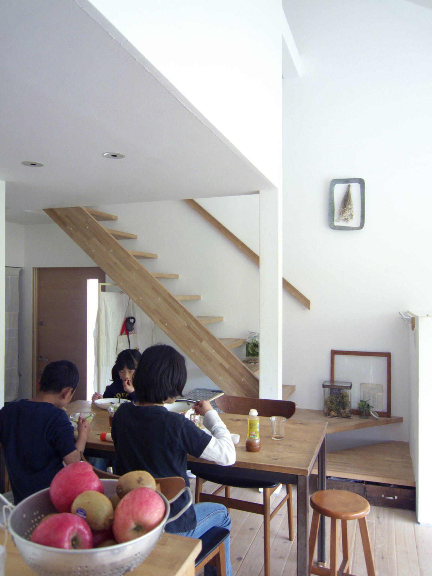 兵庫三田の家のダイニング03