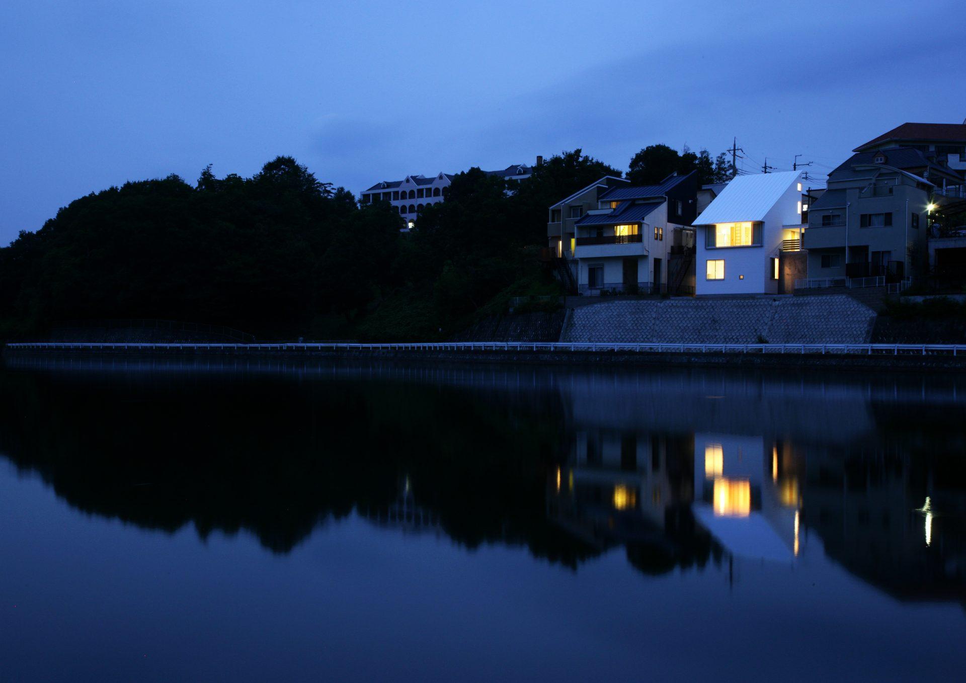 兵庫三田の家の外観(夜景)