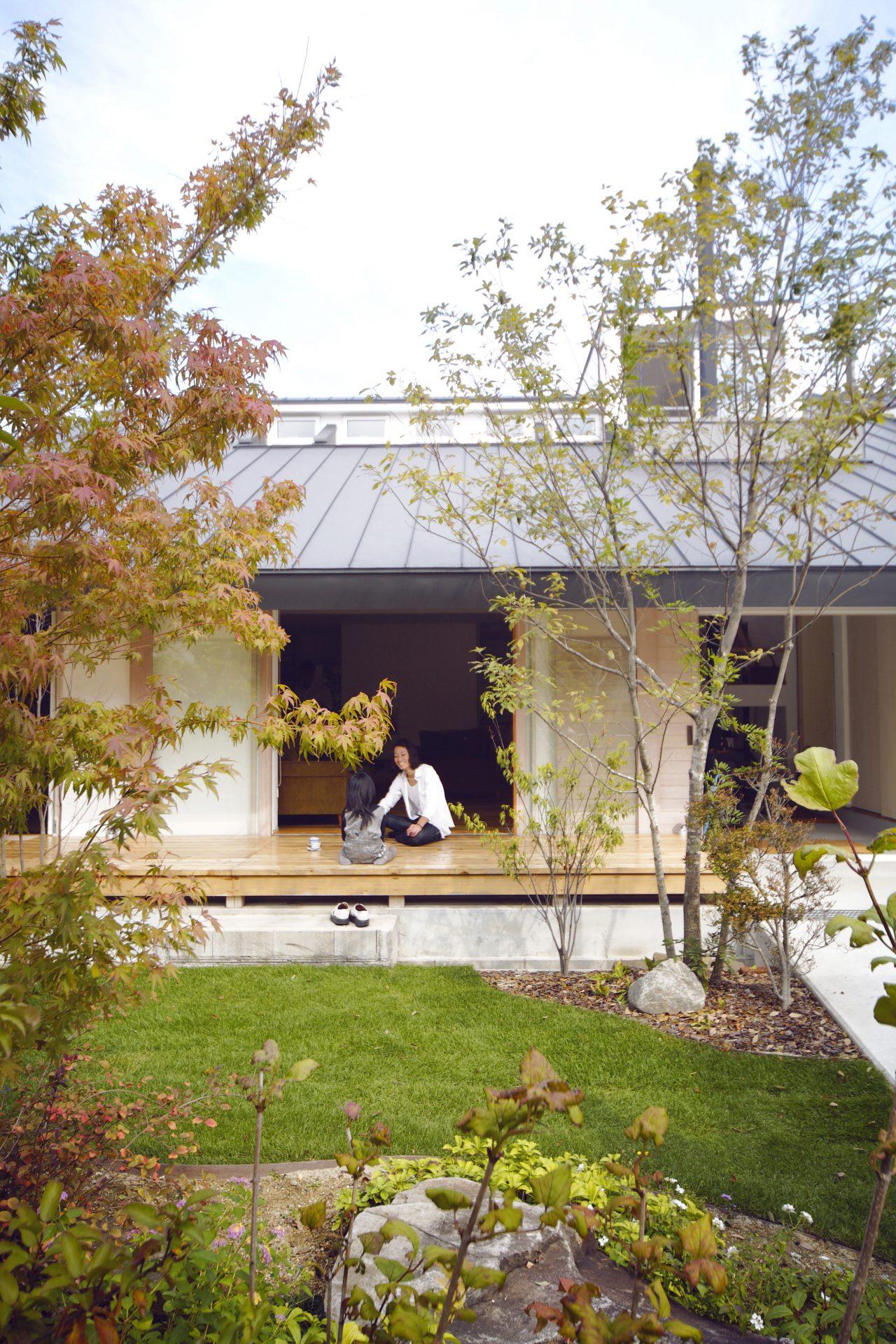 奈良四条大路の家の中庭