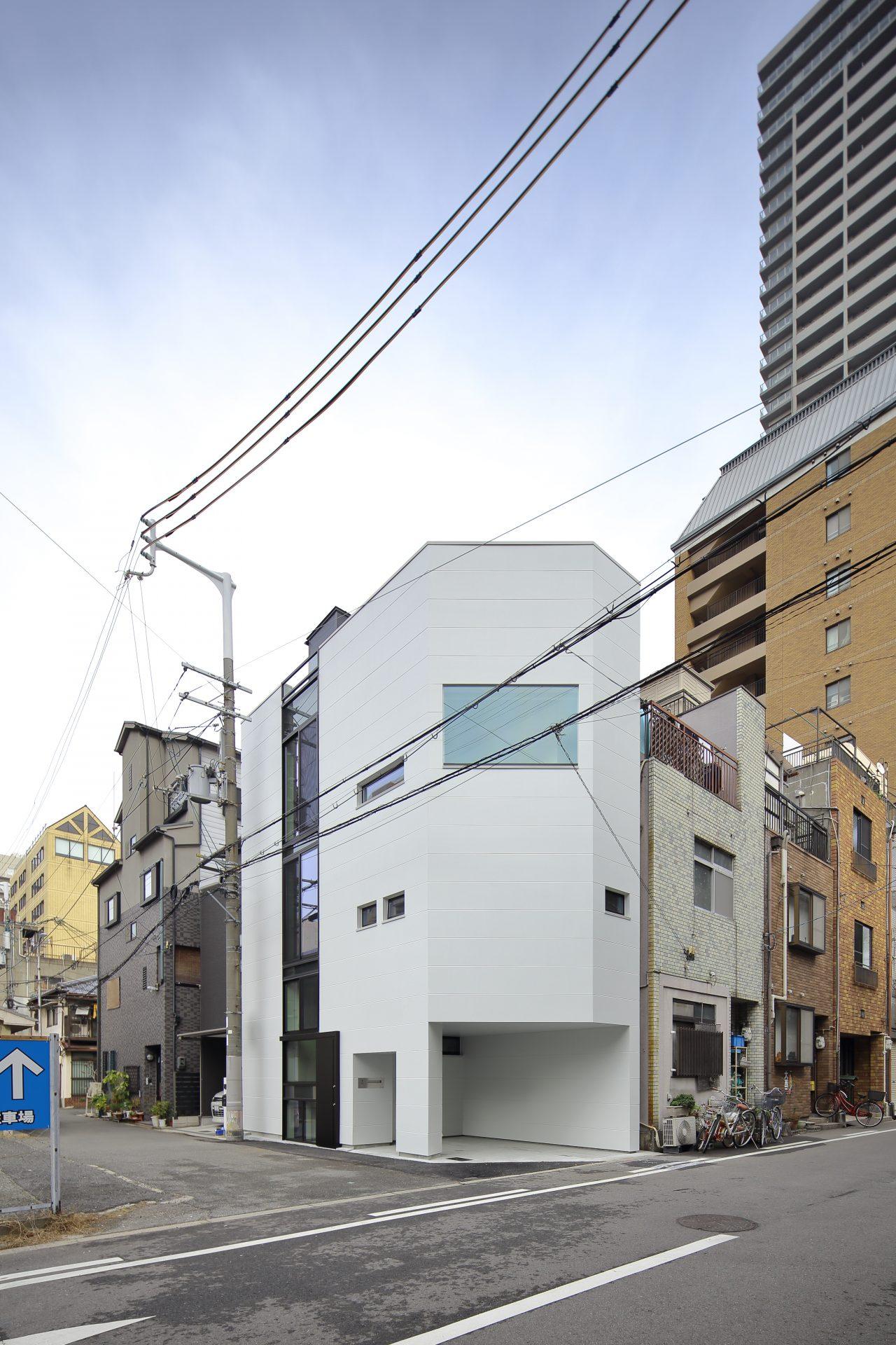 大阪上本町の小さな家の外観02