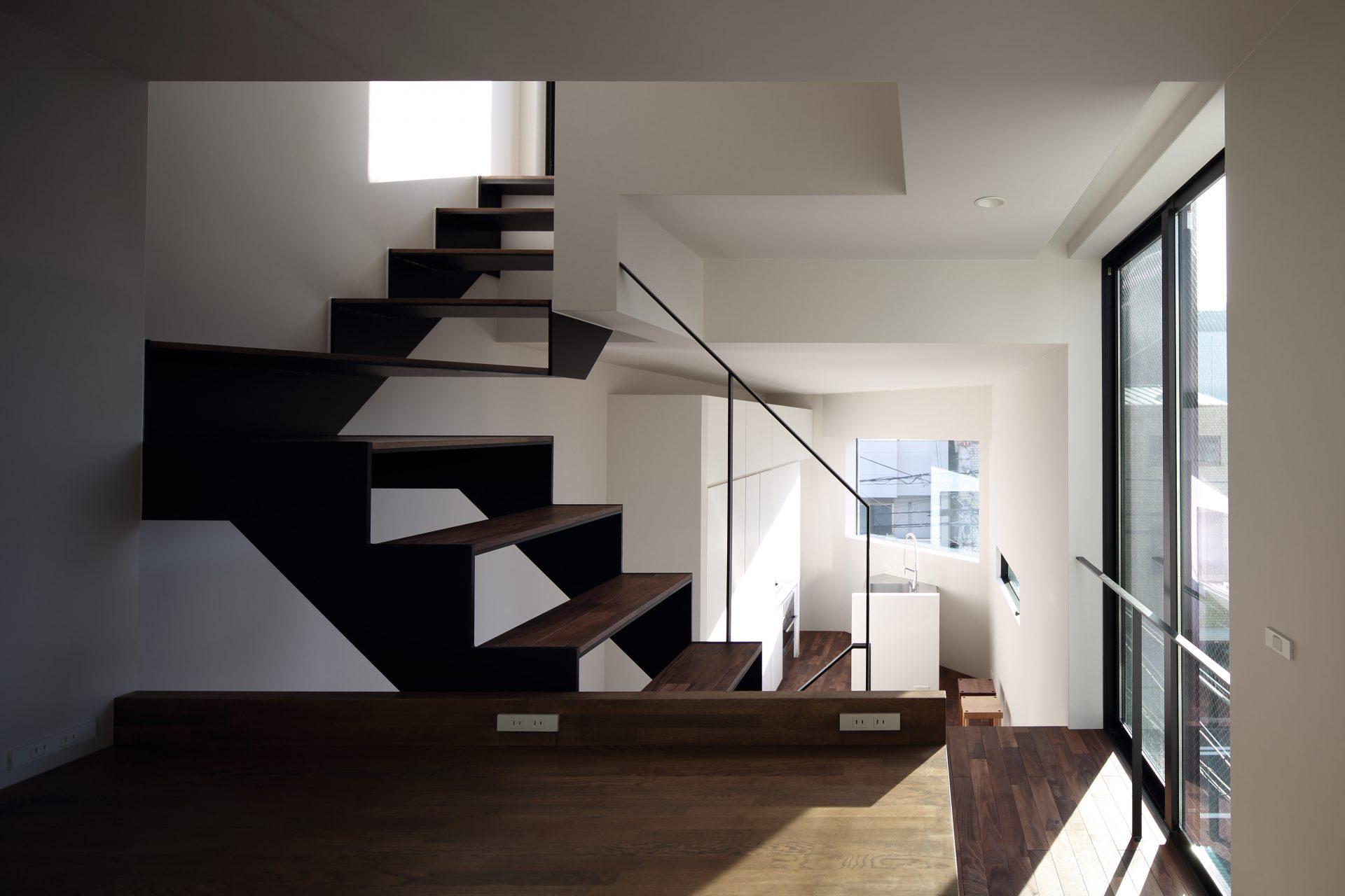 大阪上本町の小さな家の階段03
