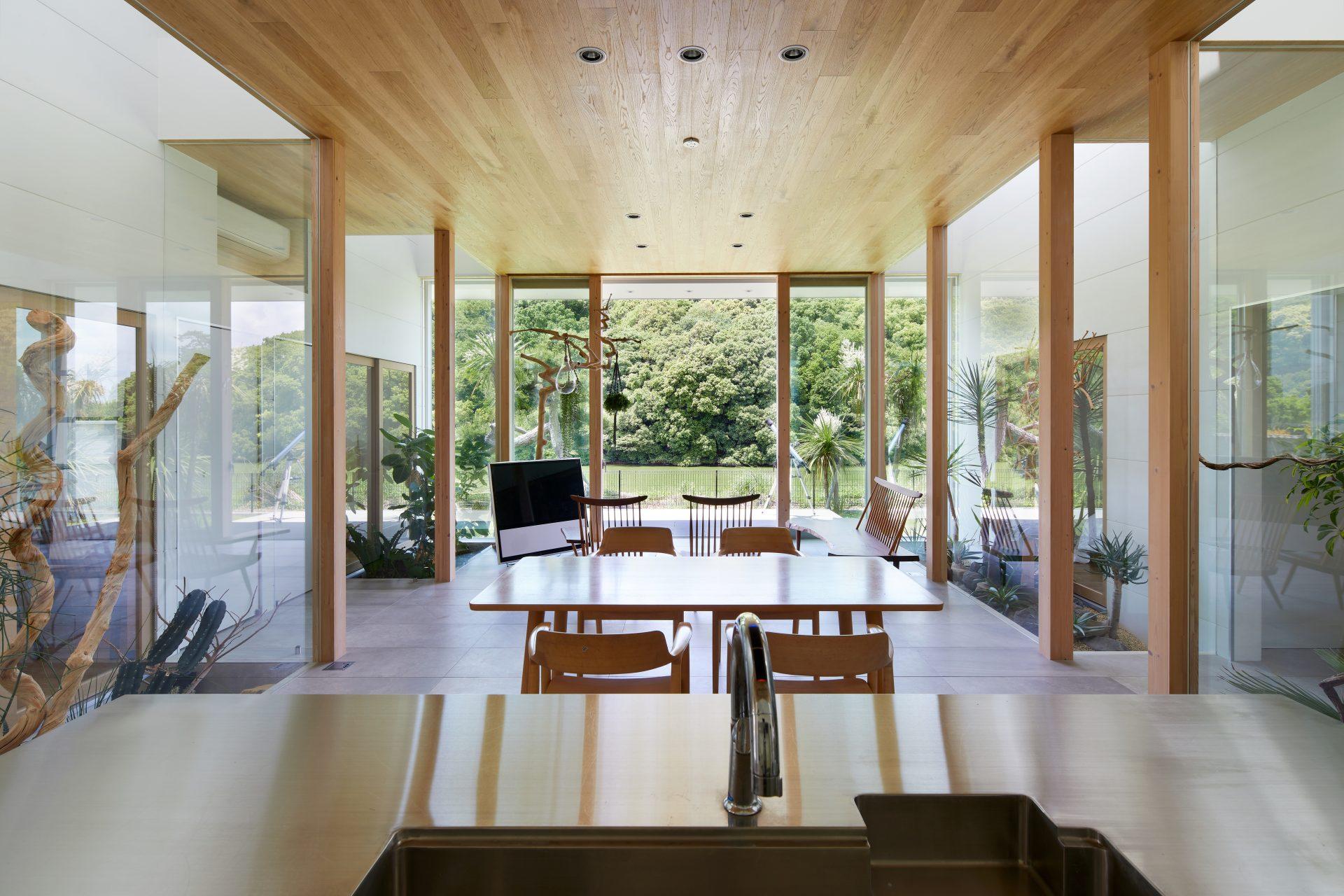 奈良景色を楽しむ家のLDK01