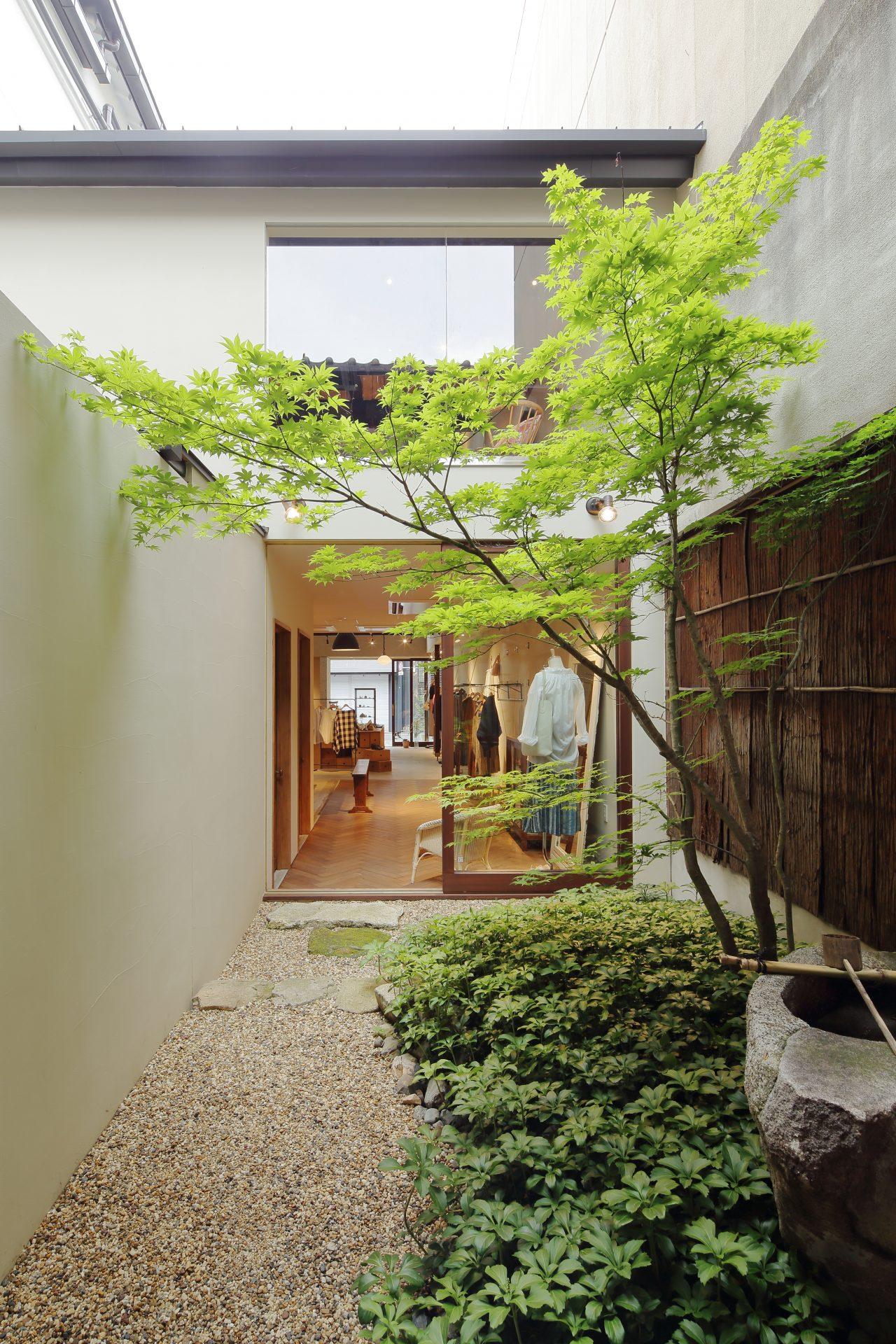 京都Yuniの中庭01