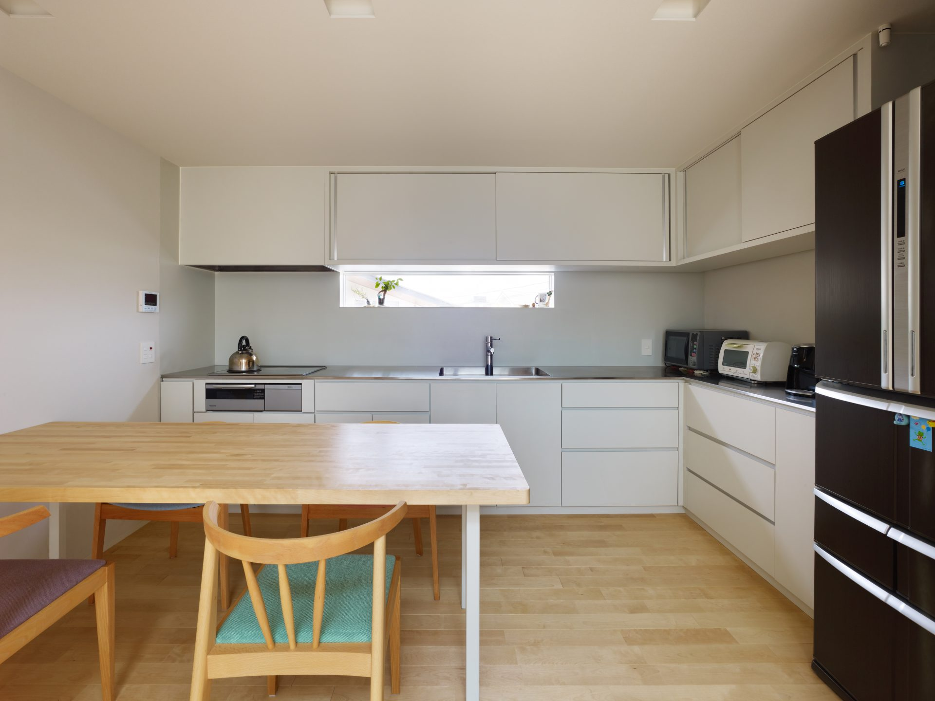 福井敦賀の家の2階ダイニングキッチン01