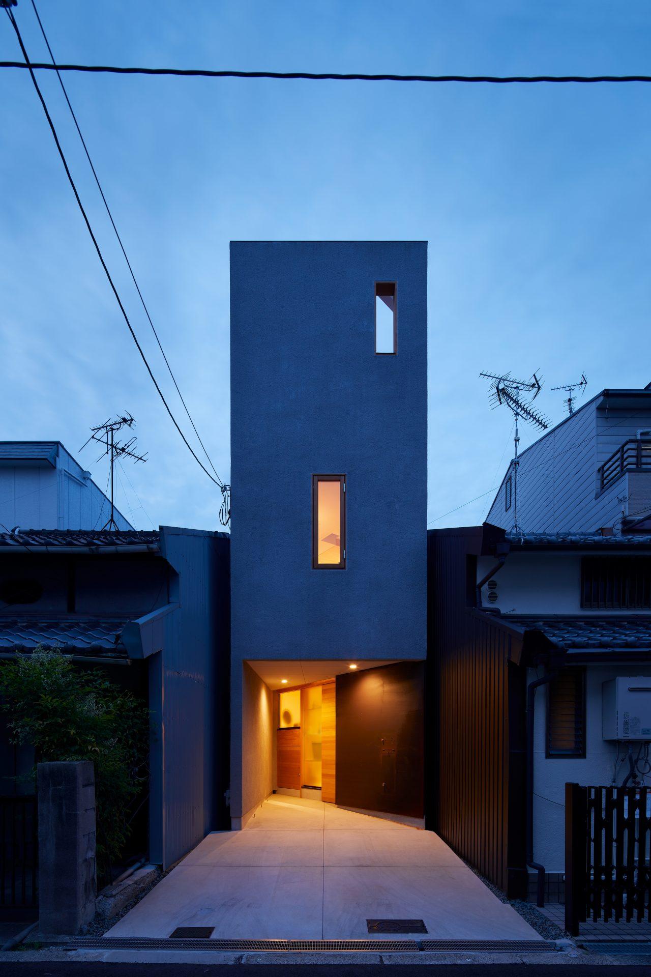 大阪帝塚山の家の外観(夜景)