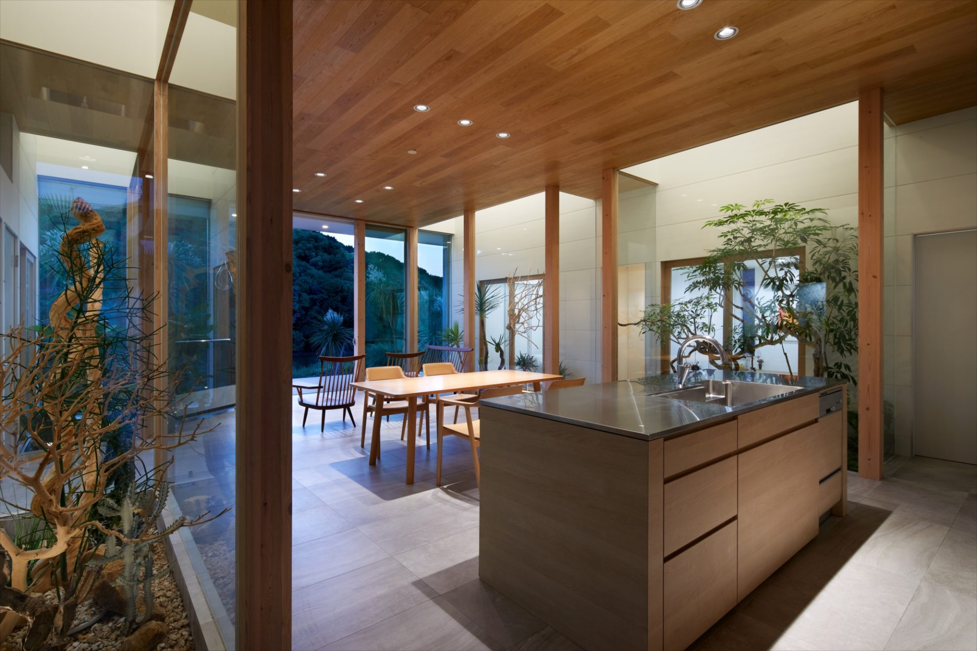 奈良景色を楽しむ家のLDK(夜景)01