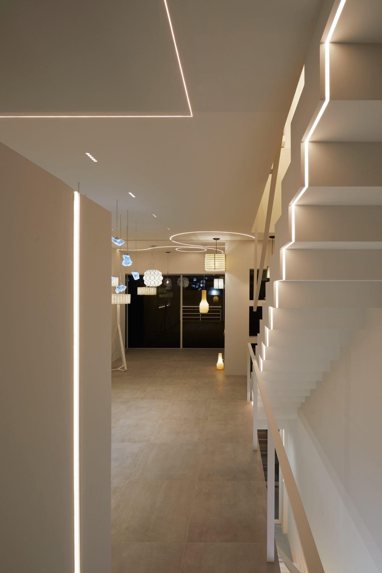京都KKDCJapanの2階ショールーム03(夜景)