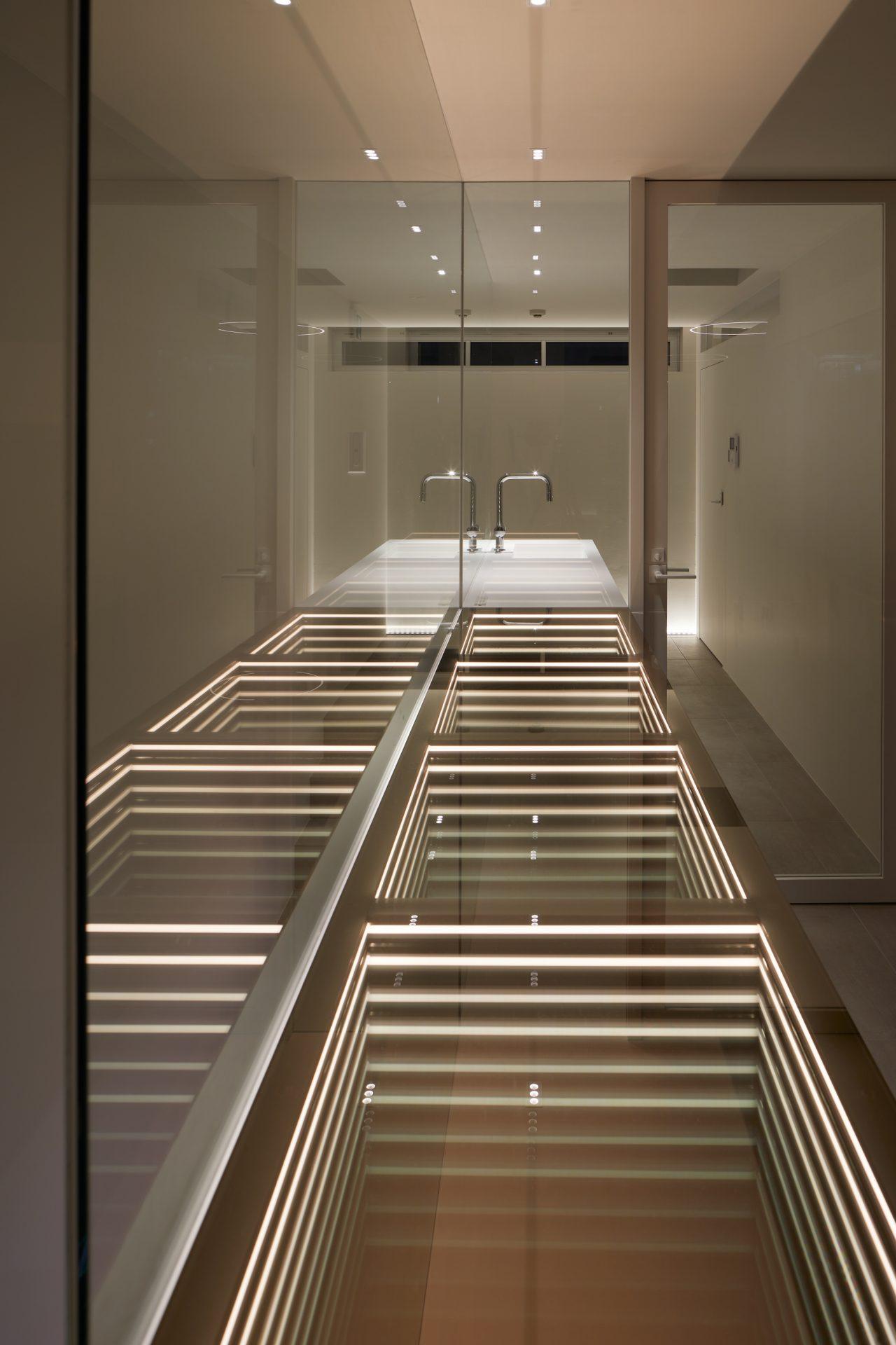 京都KKDCJapanの3階オフィス04(夜景)