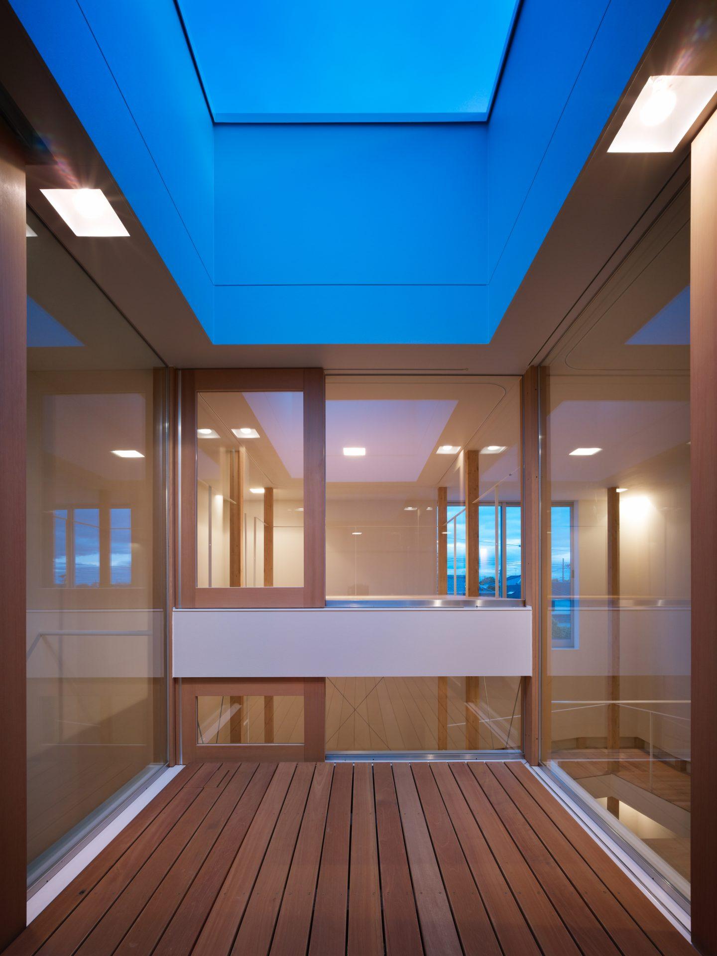 大阪スロープの家の個室(夜景)