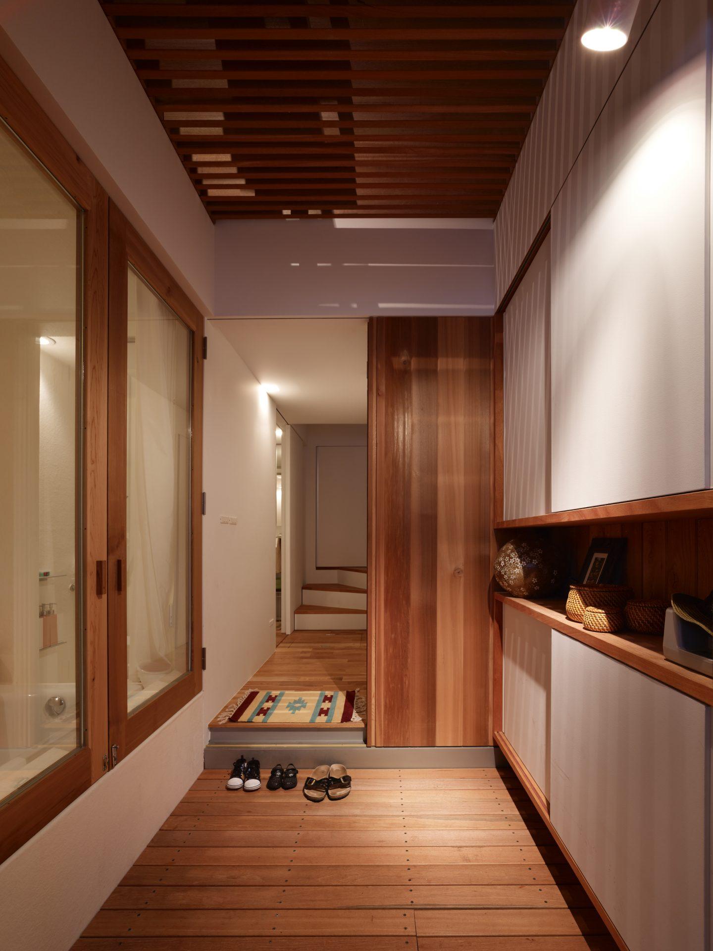 兵庫神戸の小さな家の玄関