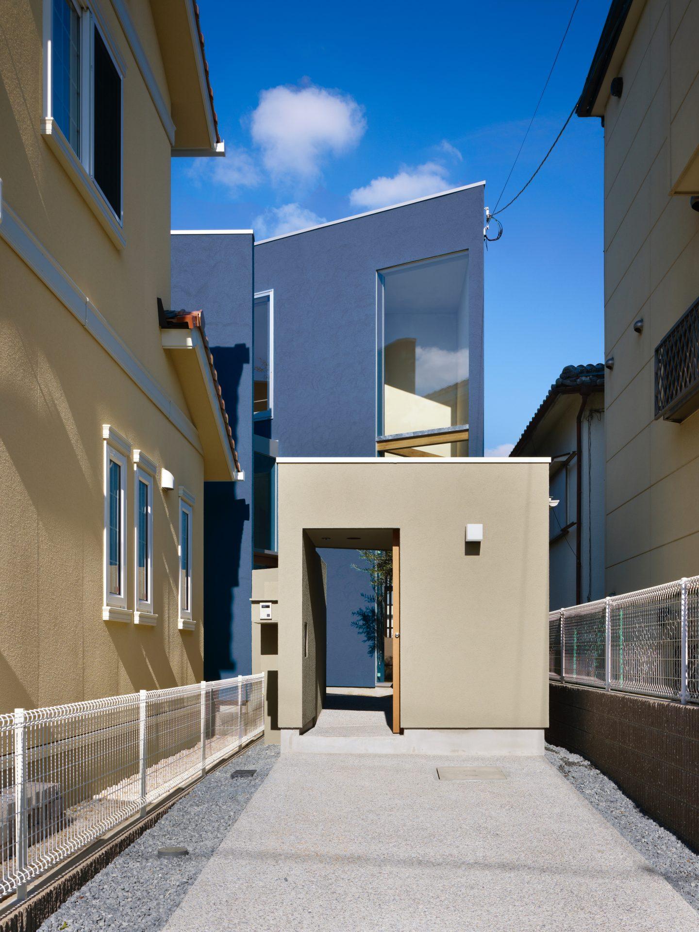 大阪上野芝の家のアプローチ01