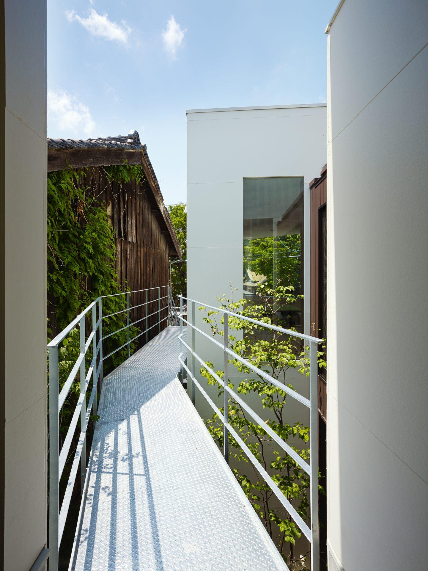 大阪住吉の家の外廊下